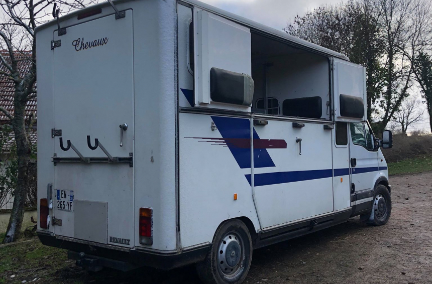 Location camion VL 2 chevaux (03) 128 €